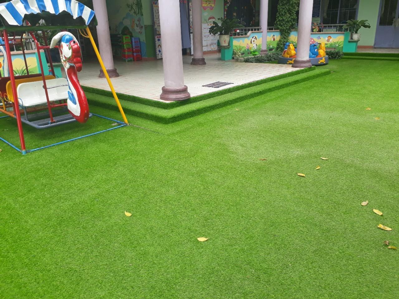 Trang trí cỏ nhân tạo cho trường mầm non tại Đồng Nai