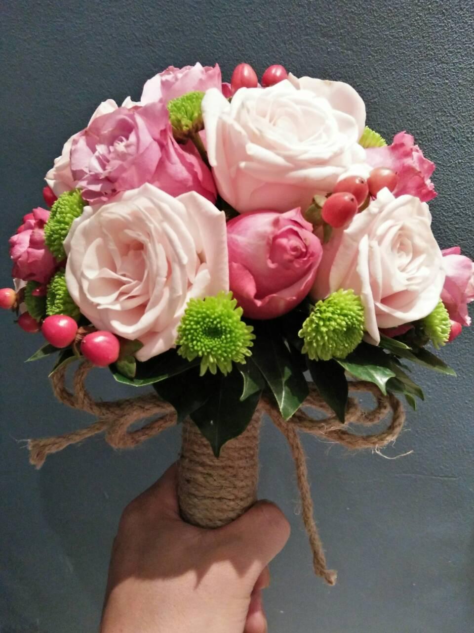 hoa câm tay cô dâu